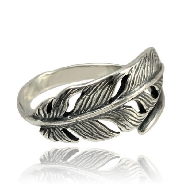 Кольцо из серебра 925 пробы Перышко