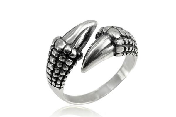 Кольцо из серебра 925 пробы Коготь