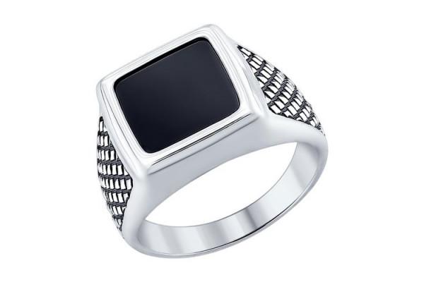 Кольцо из серебра 925 пробы с ониксом
