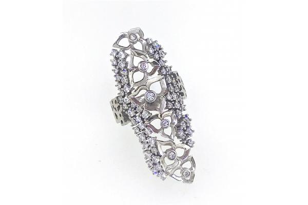 Кольцо из серебра 925 пробы  с цирконами