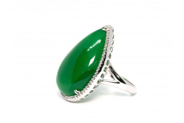Кольцо из серебра 925 пробы с зеленым жадеитом